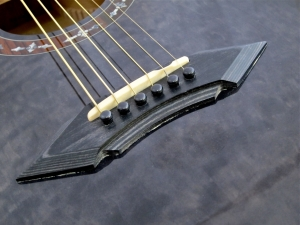 Schecter Hellraiser Studio Acoustic – bridge 2