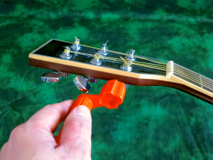String change steel string – loosening string